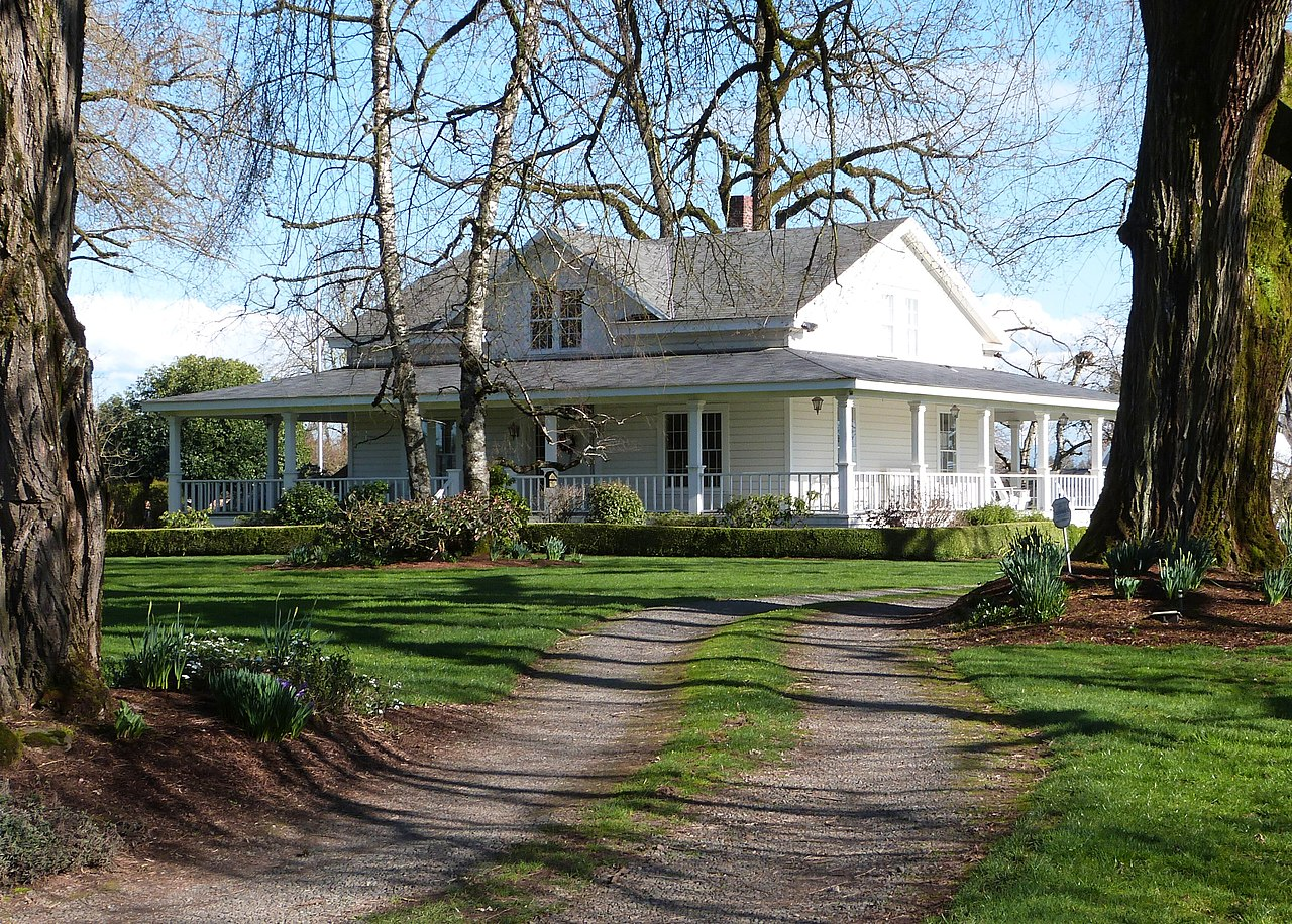 File white kellogg house oregon city for Building a home in oregon