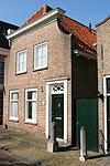 willemstad - voorstraat 38 - stoeppalen