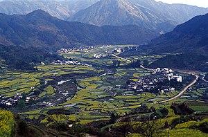Wuyuan County, Jiangxi - Image: Wuyuan jiangling