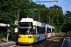 Zweirichtungs-Niederflurwagen des Typs GT6N-ZR.2 Linie 68 BVG - S-Bahnhof Grünau.jpg