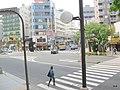 (東京都) ごはんを食べに寄った、聖蹟桜ヶ丘。ここは、ジブリの作品『耳をすませば』のモデルになった街です。アニメのように、京王のバスが多く行き来して - panoramio.jpg
