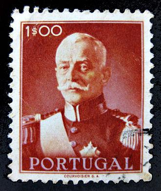 Óscar Carmona - 1945 stamp of Carmona