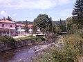 Коритото на река Огоста в центъра на село Говежда.jpg
