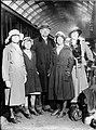 Красин с женой и дочерьми в Лондоне.jpg
