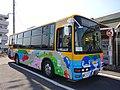 「ことちゃん」ラッピングの屋島山上シャトルバス.jpg