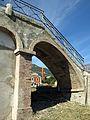004 Pont de ferro sobre la via del tren (Centelles), accés des de la banda est.jpg
