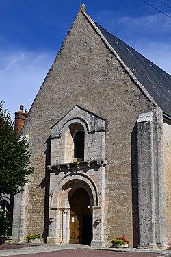 02-eglise de la Sainte-Vierge de Selommes.jpg