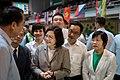 09.11 總統與貴賓們一同欣賞僑生們展出成果 (36970820146).jpg