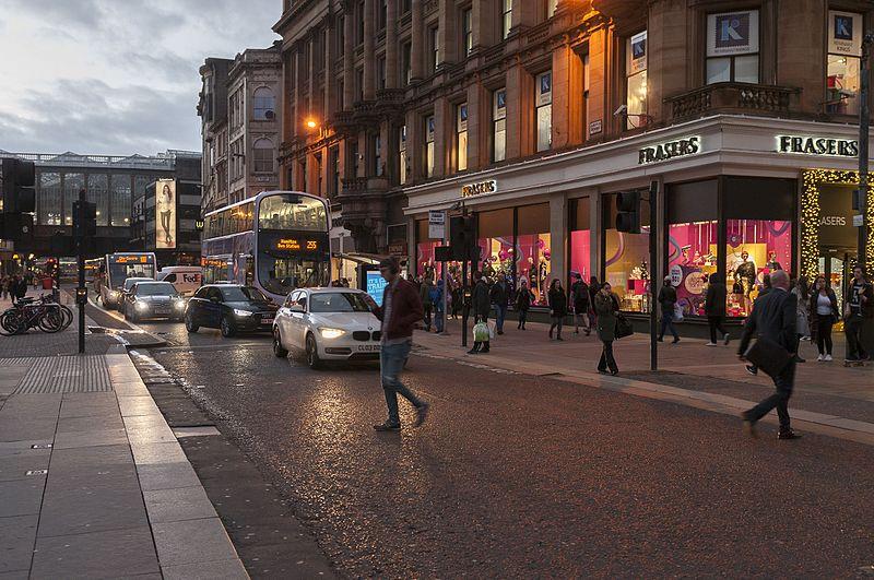 File:16-11-15-Straßenszene Glasgow-RR2 7153.jpg