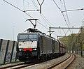 189 990 met goederen bij Maarn (8702011957).jpg