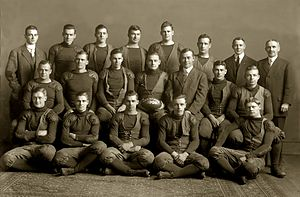 1909 Michigan Wolverines football team.jpg
