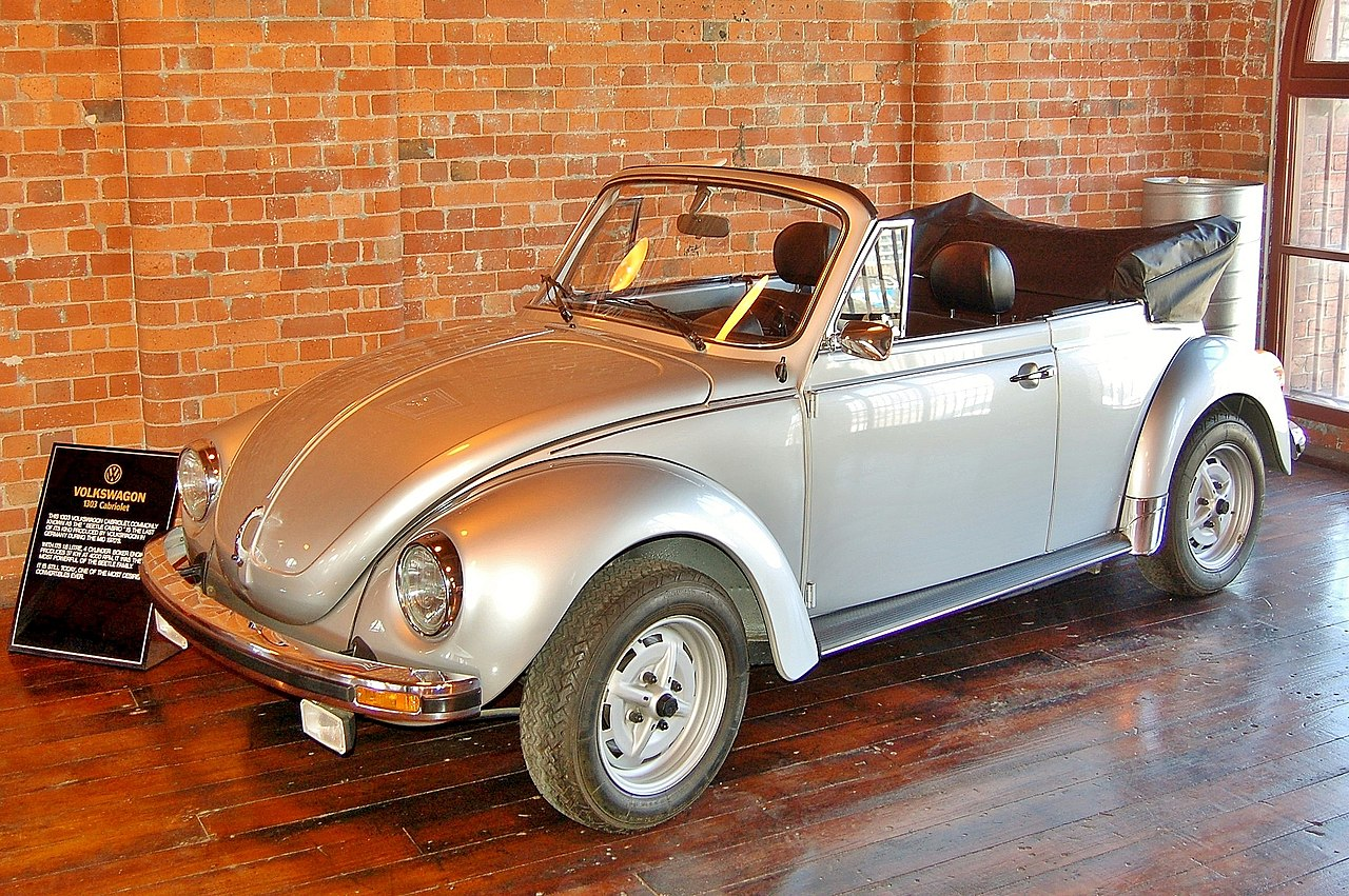fichier 1976 volkswagen beetle 1303 karmann cabriolet fox classic car collection 2008 jpg. Black Bedroom Furniture Sets. Home Design Ideas