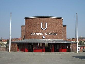 Olympia-Stadion (Berlin U-Bahn) - Image: 2009 04 07 Berlin Olympiastadion 560