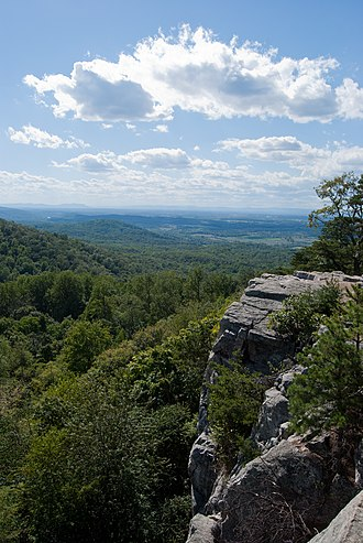 Raven Rocks (rock formation) - Image: 2010 09 04 Raven Rocks Cliffs On Appalachian Trail