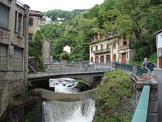 Thiers, Puy-de-Dôme - The valley of the factories surrounded by vegetation.