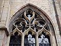 2016-Maastricht, St-Servaasbasiliek, Pandhof, oostelijke kloostergang, raam 1a.jpg