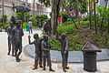 "2016 Singapur, Chinatown, Park Telok Ayer, Pomnik ""Procesja chińska"" (01).jpg"