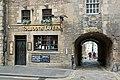 2017-08-26 09-09 Schottland 052 Edinburgh, The Royal Mile, Old Tolbooth Wynd (36908988444).jpg