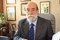 30-07-2009 Diputado Enrique Accorsi Opazo en su oficina, sentado tras escritorio, mira a la camára. Primer plano..JPG