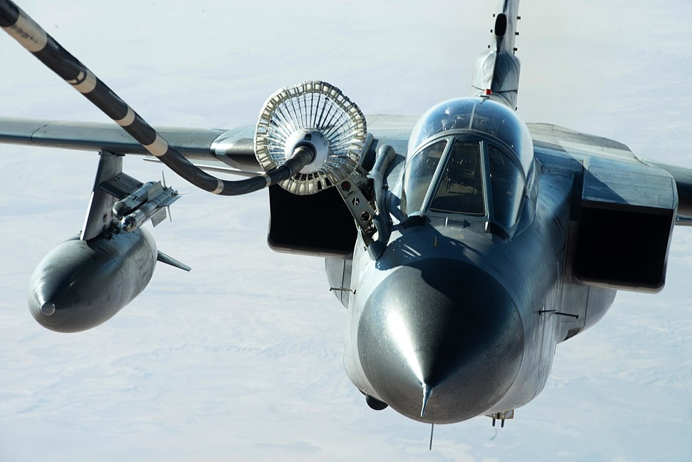 3038274 German air force GR-4 Tornado refuels from a U.S. Air Force KC-10 Extender near Mosul, Iraq 2016