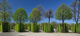 42 Apollo in bosquet Fächer, gardens of Schönbrunn 03.jpg