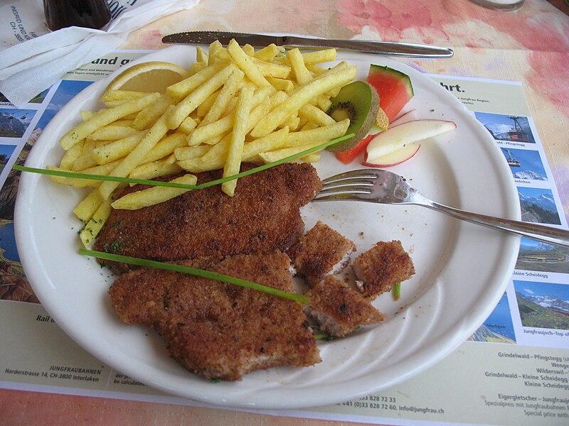 File:5600 - Brienz - Wiener Schnitzel.JPG