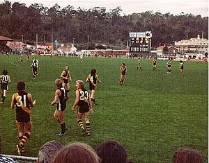 Winfield Statewide Cup - Hobart and Glenorchy do battle in the Winfield Cup Semi Final at North Hobart, Glenorchy 11-points ahead, ten minutes into the third quarter.