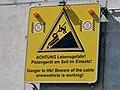 AUT — Steiermark – Bezirk Liezen — Gemeinde Schladming — Schladming Ort — Rohrmoosstraße 218 (Gipfelbahn Hochwurzen, Talstation, Schild Pistenraupe) 2020.jpg