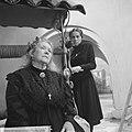 AVRO brengt TV-spel Het huis van Bernarda Alba Scene Hetty Beck (grootmoeder), Bestanddeelnr 914-7929.jpg