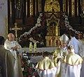 Abp Mieczysław Mokrzycki Intronizacja relikwii św. Jana Pawła II, Msza św. kościół w Bełżcu.jpg