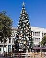 Alamo Christmas Tree (6421663719).jpg