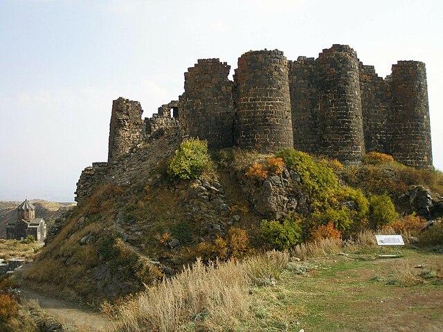 640px-Amberd_Fortress.JPG