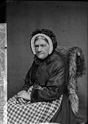 An old woman at Nefyn (Evans) NLW3362589.jpg