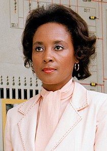 Annie Easley in NASA (cropped) 2.jpg