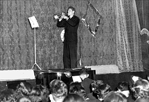 "Antonio Buonomo - Antonio Buonomo playing Paganini's Carnevale di Venezia during a concert for the ""Casa dello scugnizzo"" (April 1952)"