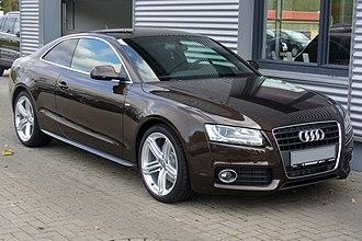 Audi A5 - Image: Audi A5 Coupé S line 2.0 TDI Teakbraun