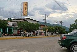 Avenida Principal in Tezonapa.jpg