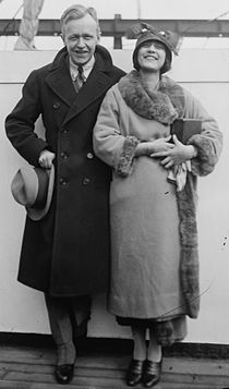 Avery Hopwood & Rose Rolanda.jpg