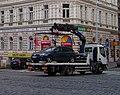 Bělehradská a Koubkova, z Bruselské, odtahové vozidlo.jpg