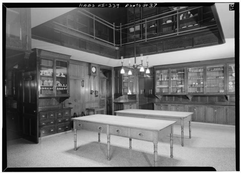 File:BUTLER'S PANTRY, LOOKING EAST TOWARD DINING ROOM SERVICE DOORS - The Breakers, Ochre Point Avenue, Newport, Newport County, RI HABS RI,3-NEWP,67-37.tif