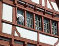 Bad Saulgau - Fachwerk-Giebel mit Vorhang.JPG