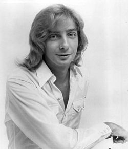 Barry Manilow 1975.JPG