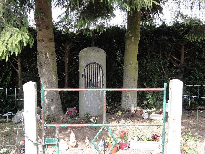 Barzy-en-Thiérache (Aisne, Fr) chapelle décorée