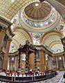 Basilique-cathédrale Marie-Reine-du-Monde de Montréal, intérieur 04.jpg