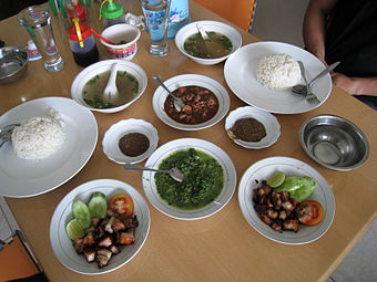 Bataknese Babi panggang, it usually serves as main course in Christmas Batak Cuisine Saksang and Panggang 1.JPG