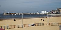 Bay and beach with jetty Margate Kent England 1.jpg