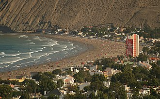 Patagonian Desert - Like Rada Tilly, on the Atlantic Ocean, most of the larger settlements in the steppe are located along the coast.