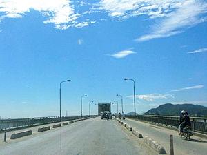 Cả River - Ben Thuy Bridge crossover Cả River.