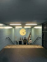 Berlin - U-Bahnhof Turmstraße (9487910825).jpg