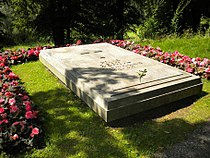 Bertil of Sweden grave 2009 (1).jpg